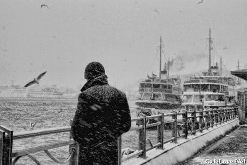 Ảnh đàn ông trong tuyết lạnh