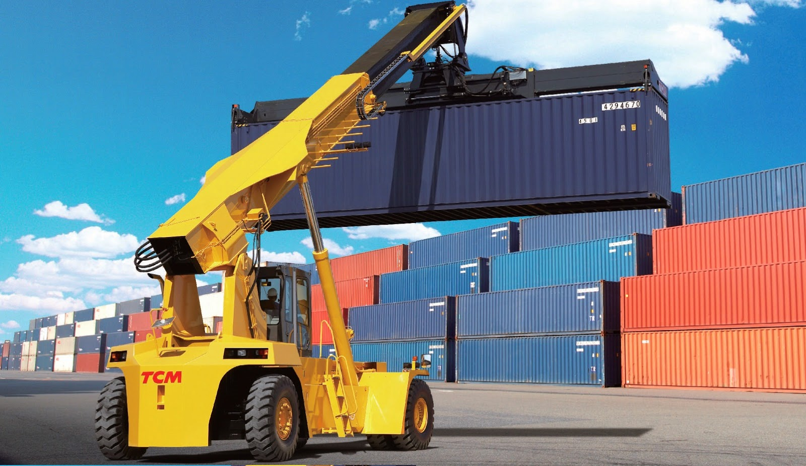 xe kep gap container tcm