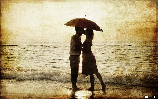 ảnh hôn nhau trước biển đẹp