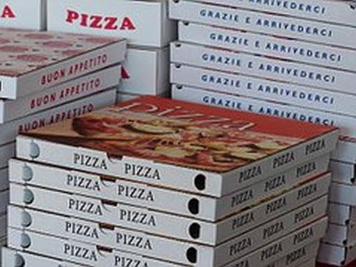 Oferta de Empleo - Pizza Hut - Busca Repartidores y Auxiliar de tienda.