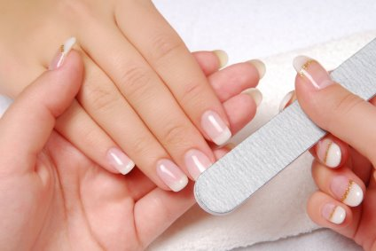 uništeni nokti
