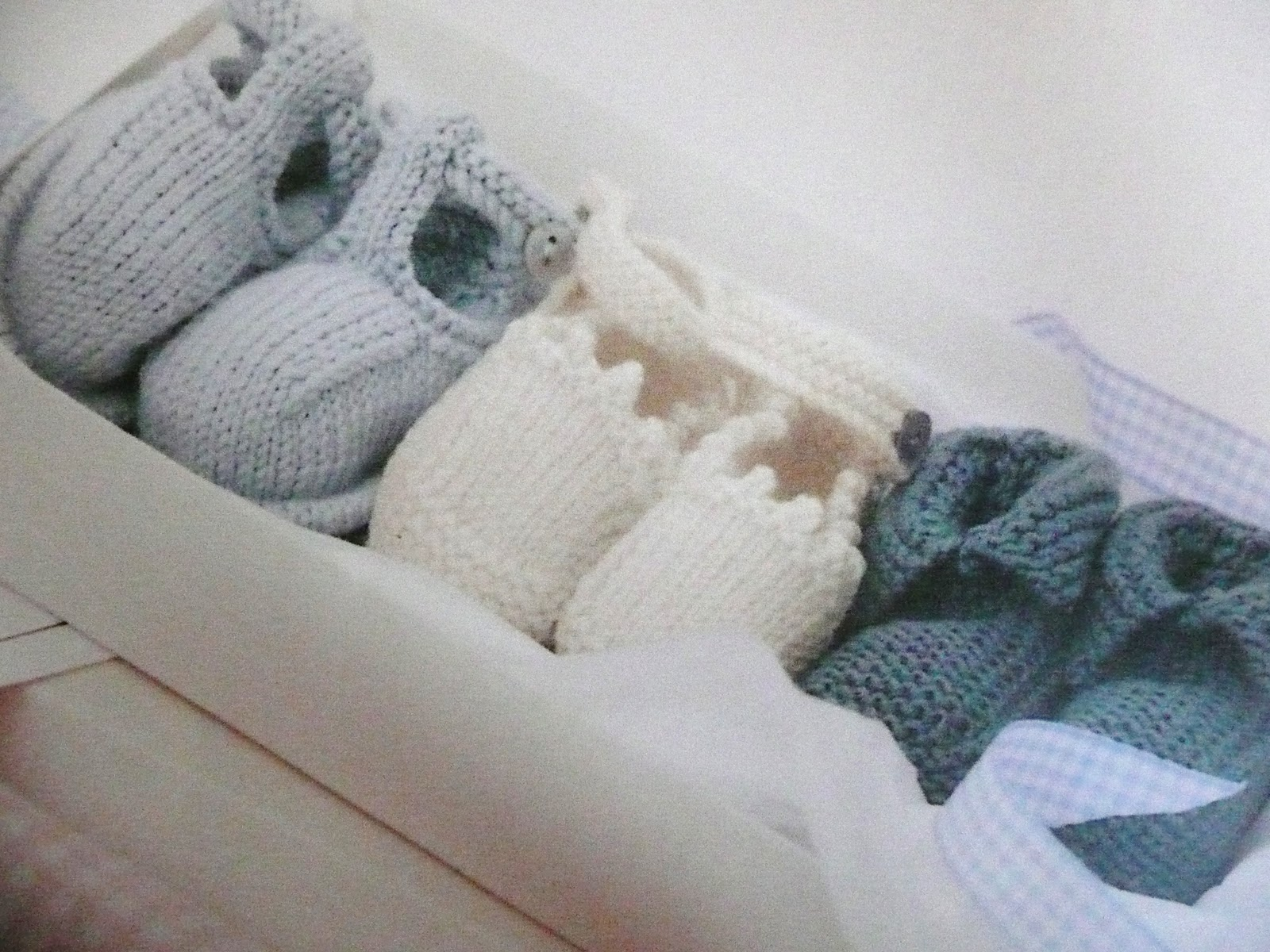 chopkins: Book review - the ultimate book of baby knits