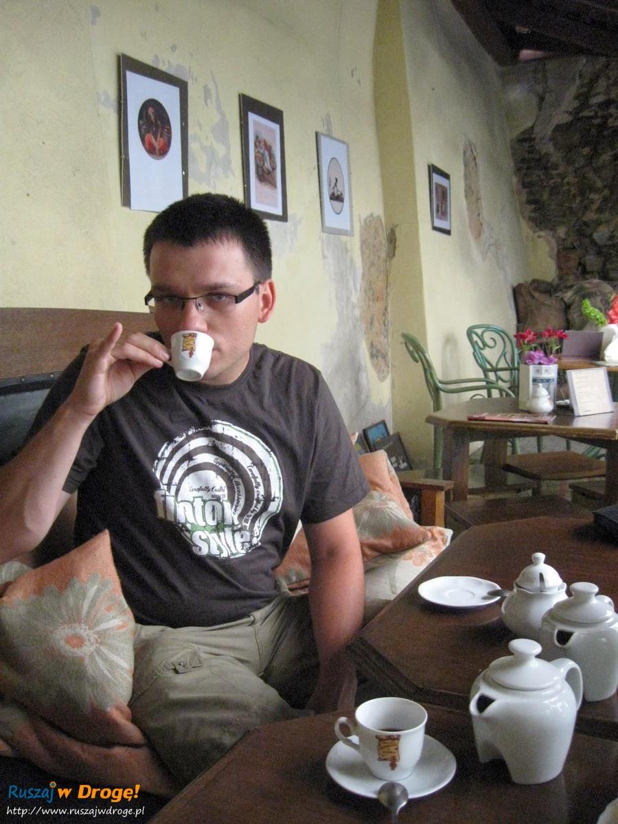 Maciej stał się znawcą odkąd przestał pić kawę z Biedronki