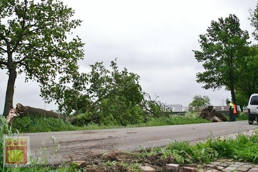 Noodweer zorgt voor ravage in Overloon 10-05-2012 (55).JPG