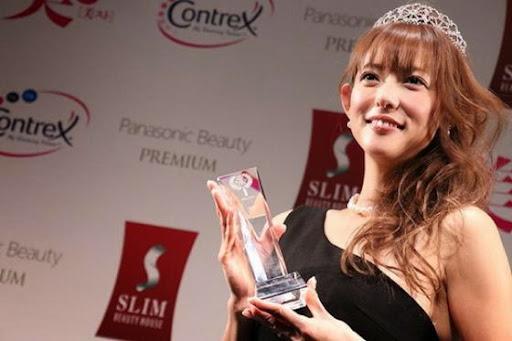 日本最新國民美魔女,43歲主婦箕輪玖美奪冠