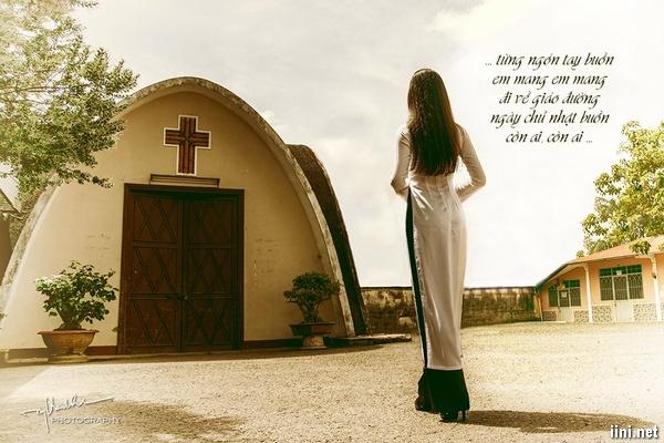 Chùm thơ tình Giáo đường buồn ngày Chúa nhật, đi Lễ 1 mình