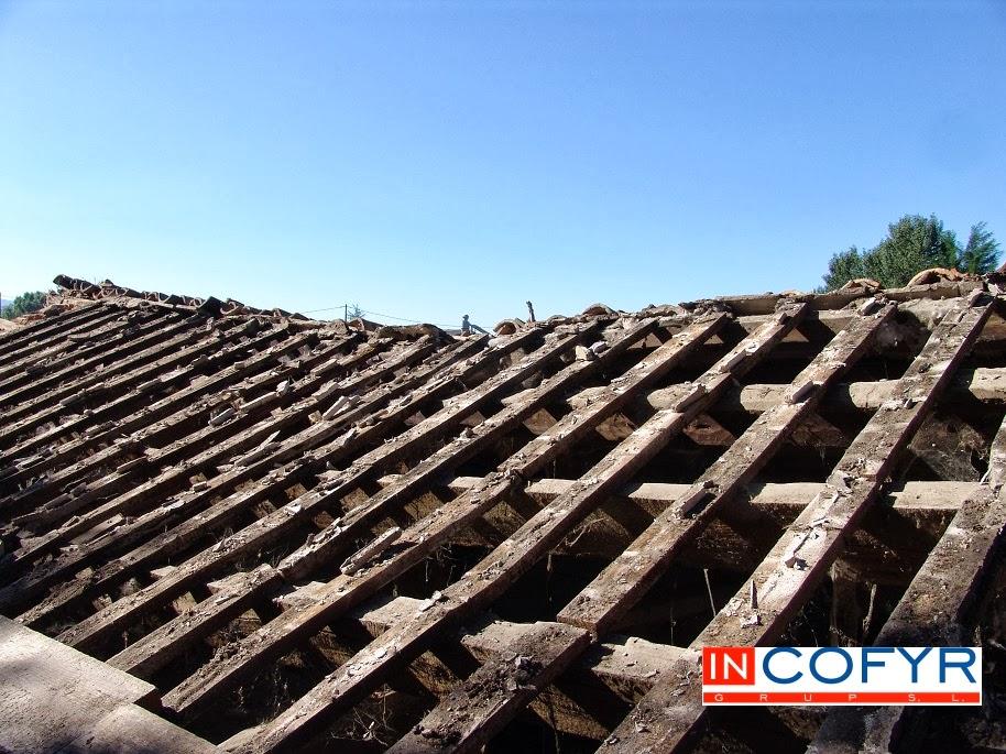 Reforma de un tejado de madera casa vieja incofyr - Madera para tejados ...