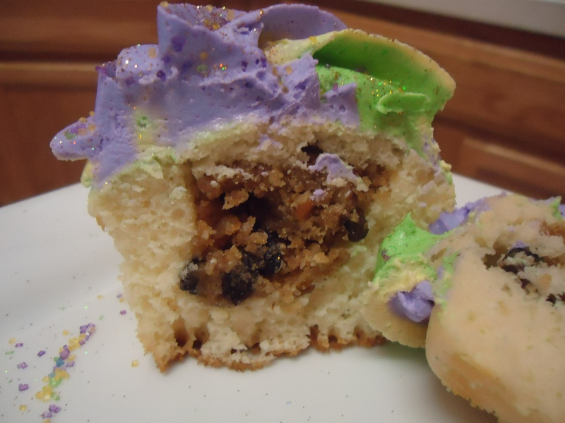 Cupcakeables!: Mardi Gras / King Cake Cupcakes