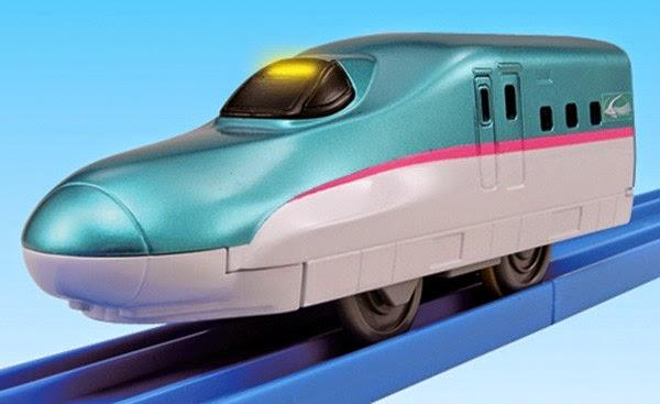 Tàu hỏa siêu tốc có đèn Hayabusa TP-02 đầu thuôn nhọn, đẹp mắt