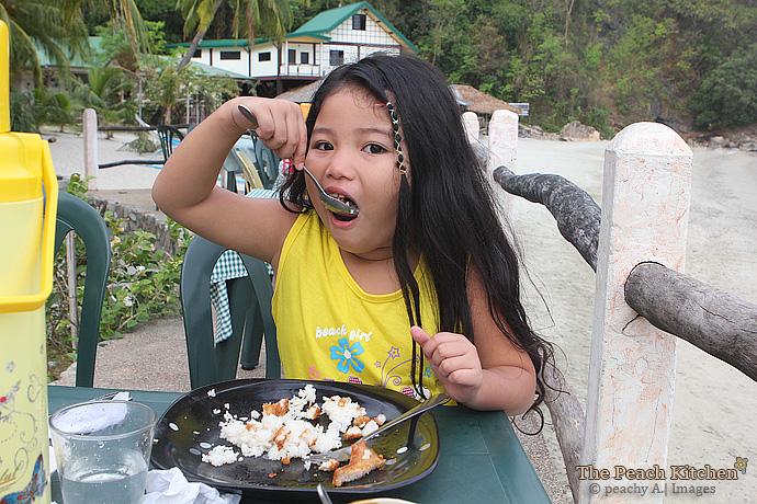 Breakfast at El Cañonero, Puerto Galera | www.thepeachkitchen.com