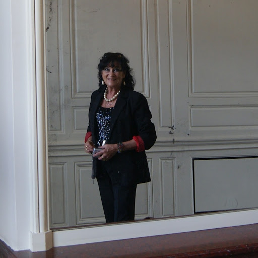 Martine Andre Photo 6