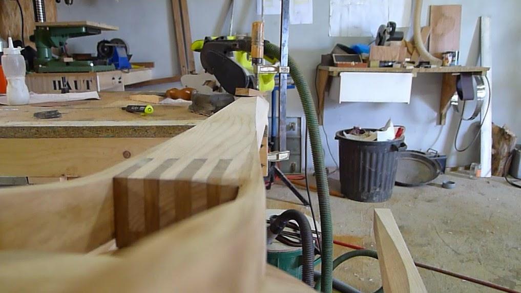 Chaise design pour petit garçon - Page 2 P1060969-003