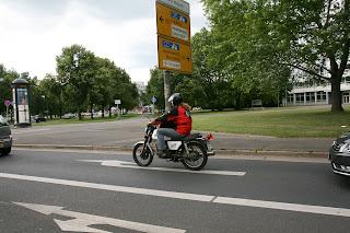 ETZ 250 koji i dalje veselo dimi ulicama Dresdena