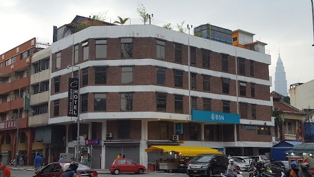 Cross Roads Hotel