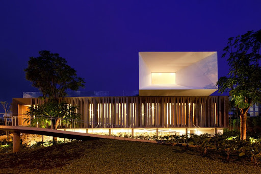 Piracicaba House design by Isay Weinfeld
