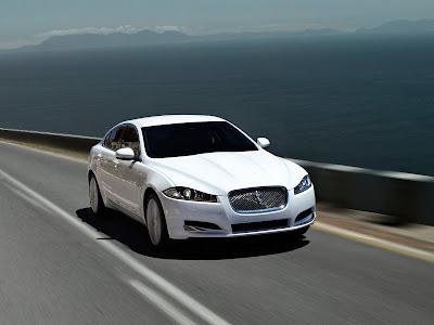 Jaguar-XF_2012_1600x1200_Front_Angle_01