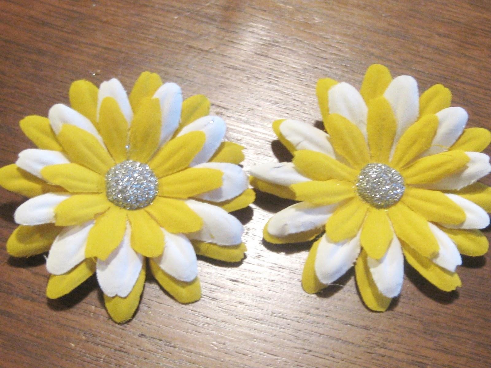 Ashleys Craft Corner Painted Flower Hair Clips