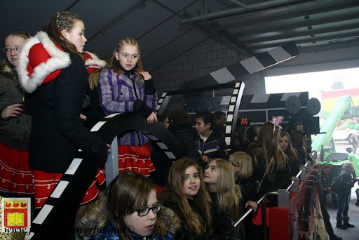 presentatie jeugd carnavalswagen 09-02-2013 (66).JPG