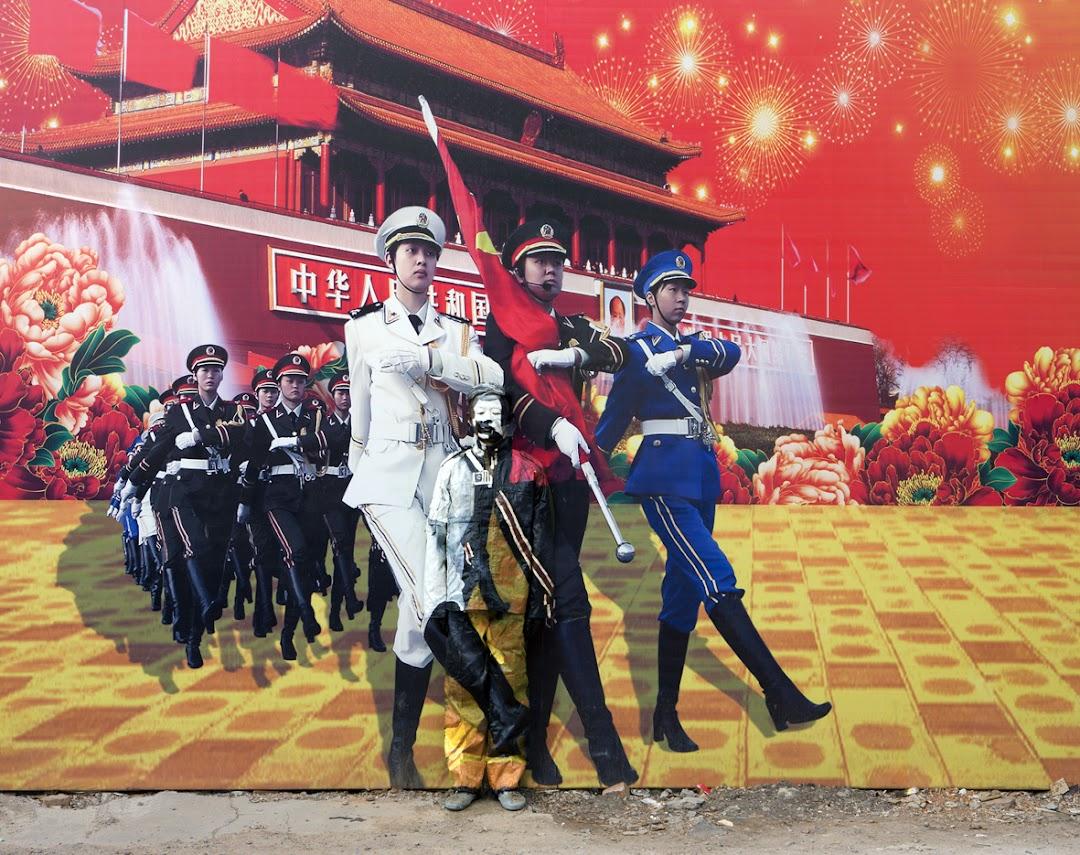 *貨真價實的隱形人:中國藝術家劉勃麟(Liu Bolin)隱形系列攝影作品! 21