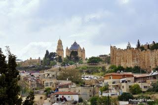 Вид с Елеонской горы. Экскурсия Иерусалим православный. Гид в Иерусалиме Светлана Фиалкова.