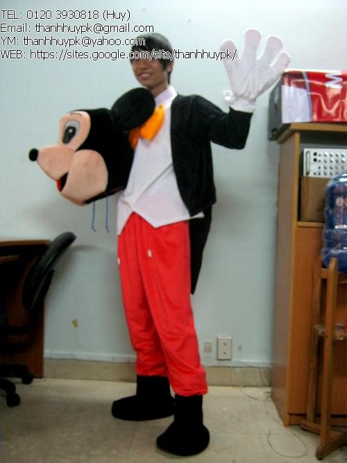 Huy tranh thủ mặc đồ con chuột vào chụp mẫu 1 cái nè ^^