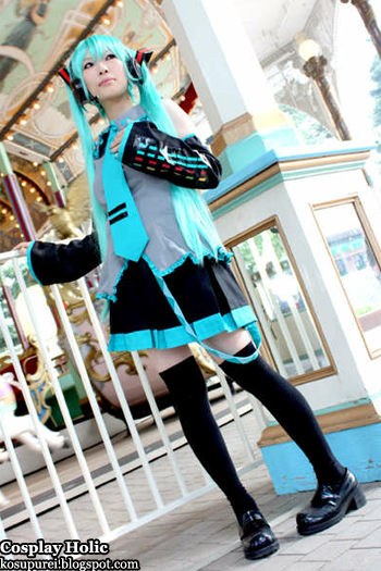 vocaloid 2 cosplay - hatsune miku 29 by mochitzu shion