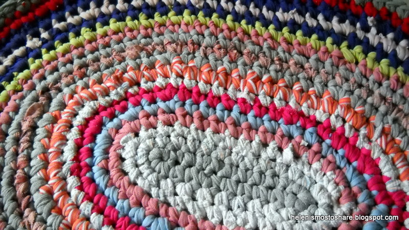 Helenismos T Shirt Yarn Oval Rug