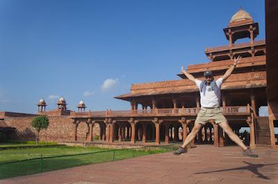 Salto en Fatehpur Sikri, India
