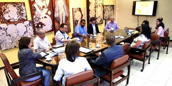 UFRN negocia parceria com empresa inglesa na área de pesquisa do Petróleo