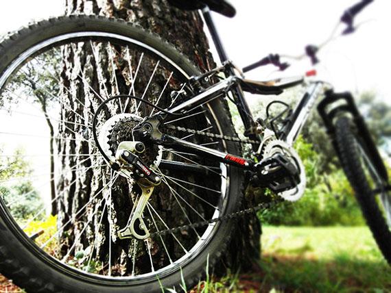 Cómo ajustar el cambio de la bici: El desviador trasero