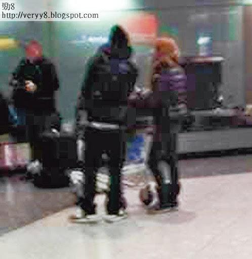 日前有國內 fans在希斯路機場撞見兩人,餘文樂誤當對方是記者,以英文粗口大鬧「 Fxxking Bitch」!