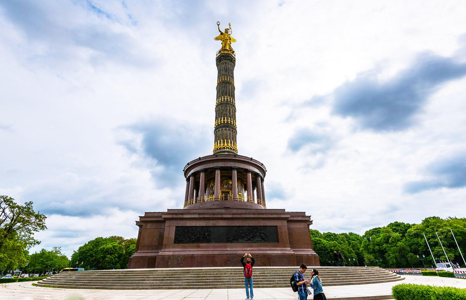 https://fishki.net/1307555-nemeckoe-prikljuchenie-berlin.html