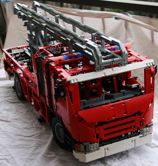 concours 16 camion de pompier par cameleon06. Black Bedroom Furniture Sets. Home Design Ideas