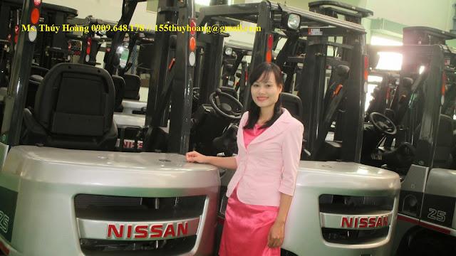 Xe nâng diesel 2.5 tấn 3 tấn Nhật Bản