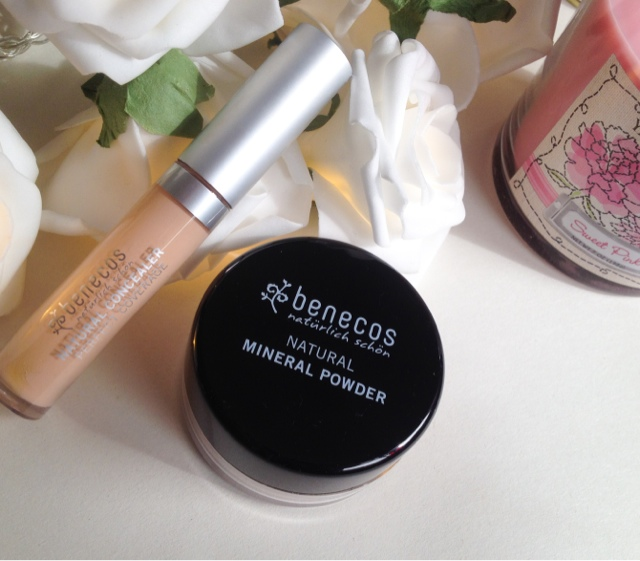 Benecos Natural mineral powder and concealer review