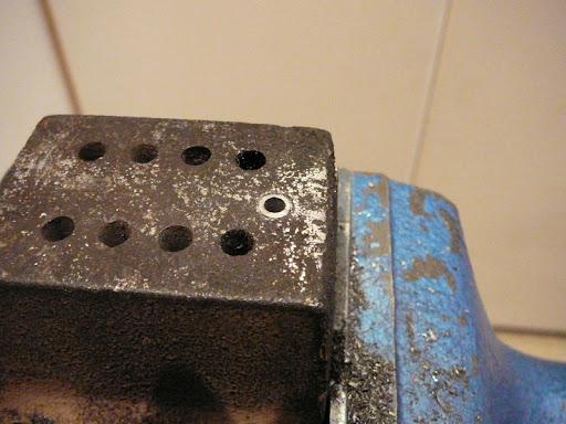 Tornillos agarrados  P1050949vp9