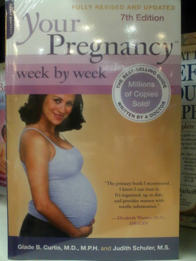 Book gift suggestion for expecting moms
