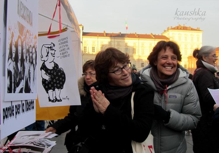 Donne in piazza Castello Torino