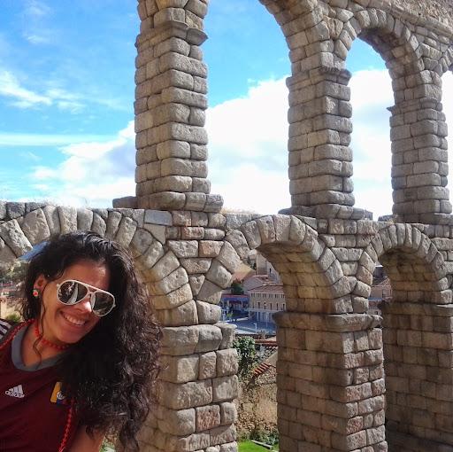 Adriana Valencia Photo 29