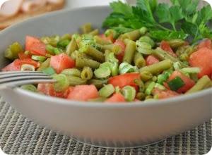 салат из авокадо и помидор