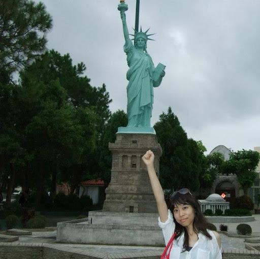 Helen Lin Photo 32