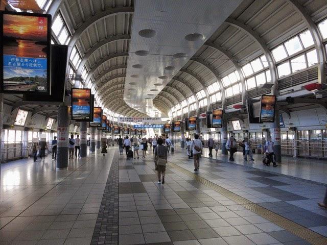 品川駅のコンコース