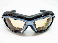 Quelles lunettes choisir pour le Kite Surf     Le Blog SUNKIDS.FR b2371c471f69