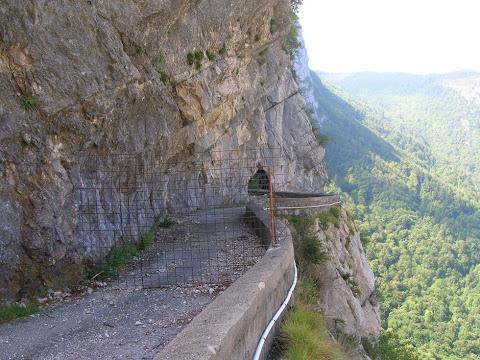 La Route des Ecouges è sempre chiusa ma...