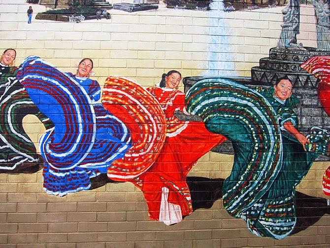 Stunning street art in pilsen chicago cultural xplorer for Chicago mural artist