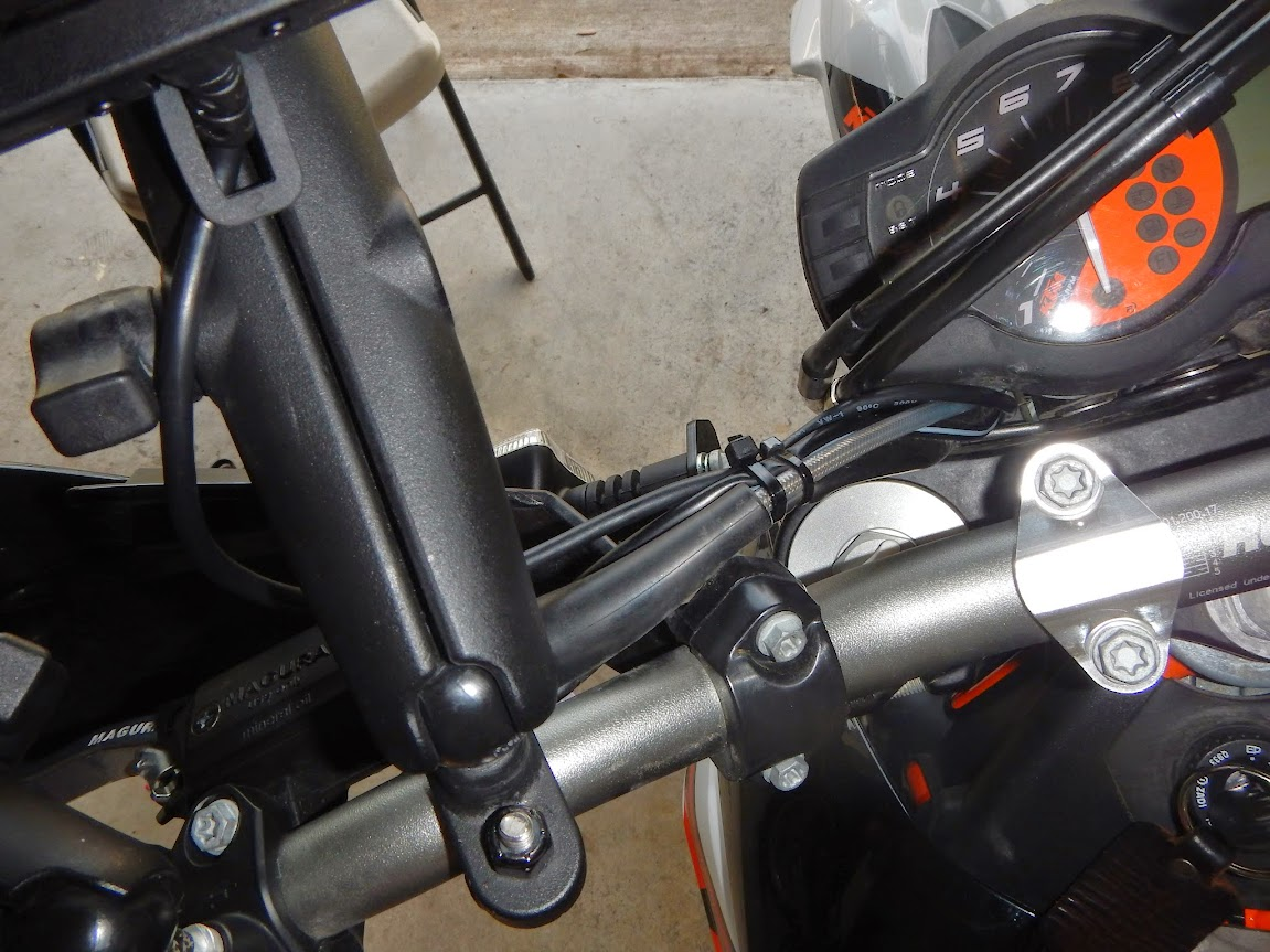 Garmin Amps Rugged Mount Install Ktm 690 Fuse Box Its A Pretty Tight Fit I Had To Tape The Cable Ends Together Push Them Through Also Remove Cap From Inline It