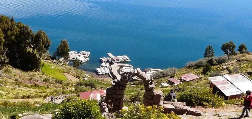 VISTA PANORAMICA EN TAQUILE | TOUR ISLA TAQUILE MÍSTICO