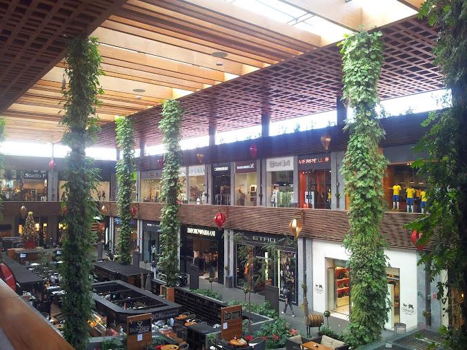 Jardín vertical de columnas