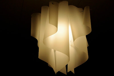 ライトが奏でる柔らかな光@ベッドルームの照明