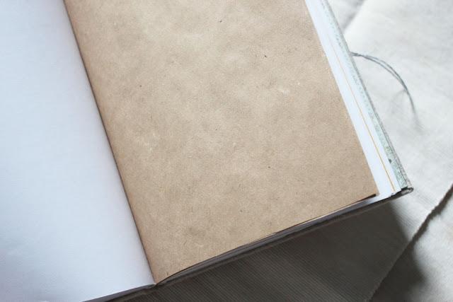 Крафтовая вставка из трех листов
